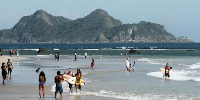 Pantai-Boom-Banyuwangi1